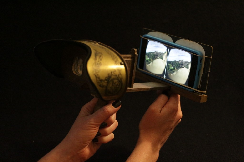 Stereoscope with smartphone